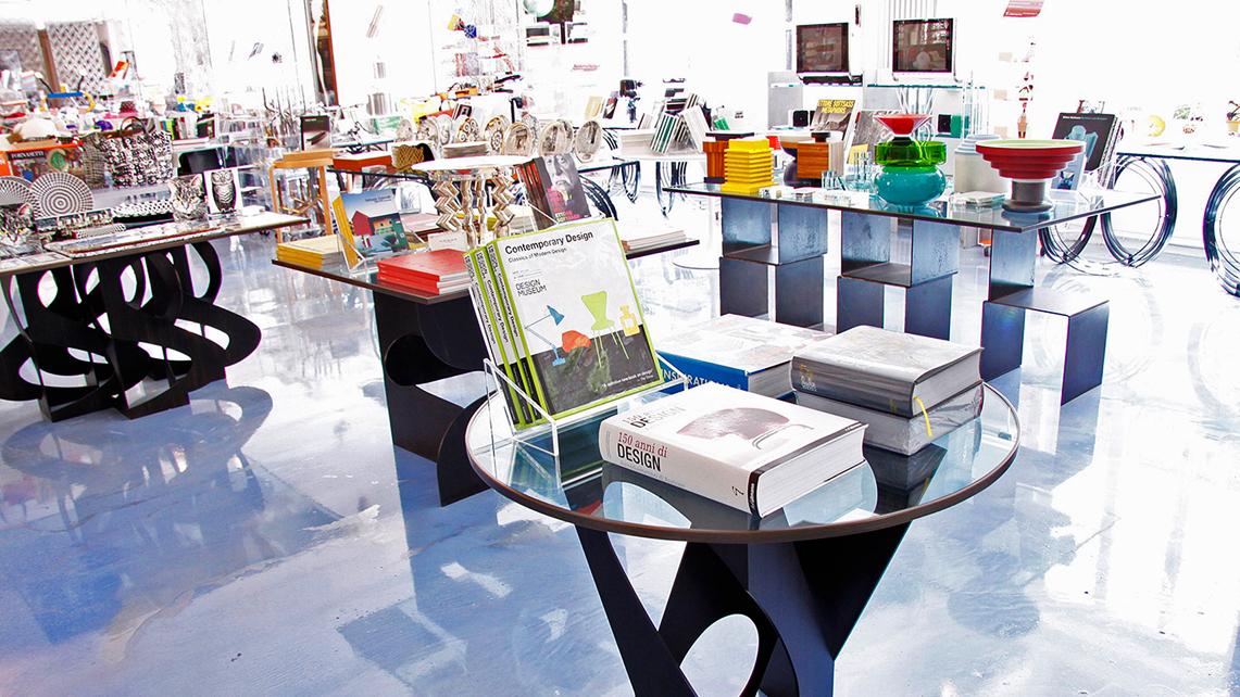Libri e oggetti di design nel bookshop di 10CorsoComo