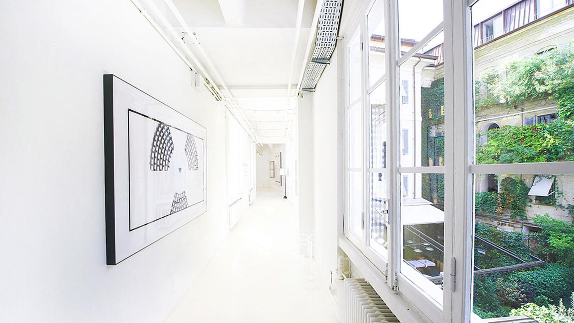 Un'area della luminosa Galleria Sozzani al primo piano di 10CorsoComo (1)