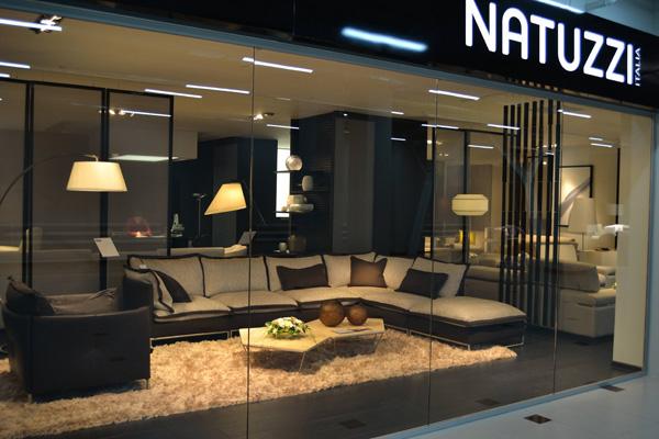 Natuzzi in via Durini a Milano