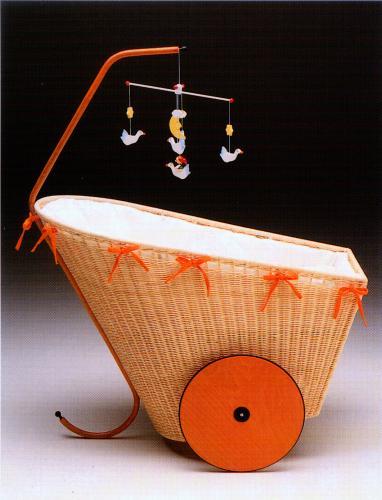 Culla Chicca design Baldessari e Baldessari per Horm
