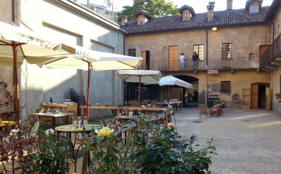 La corte della Cascina Cuccagna, Milano