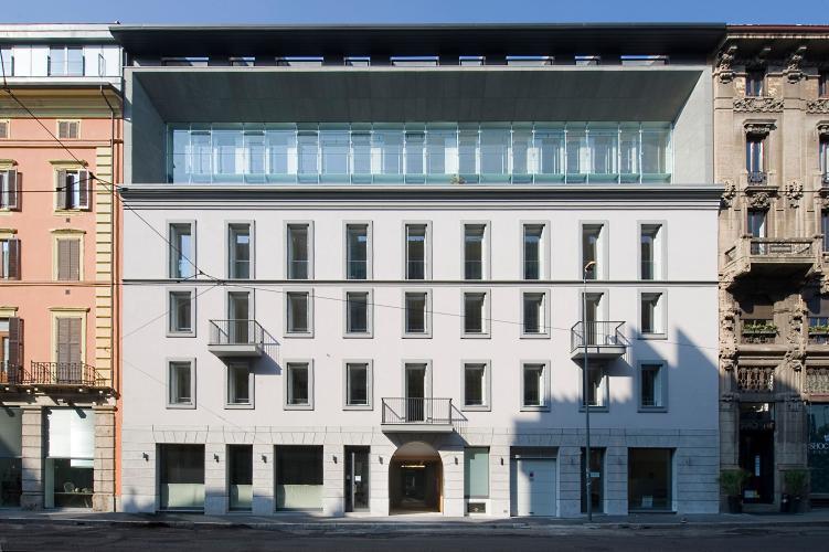 La facciata dell'edificio in via Montegrappa16 a Milano