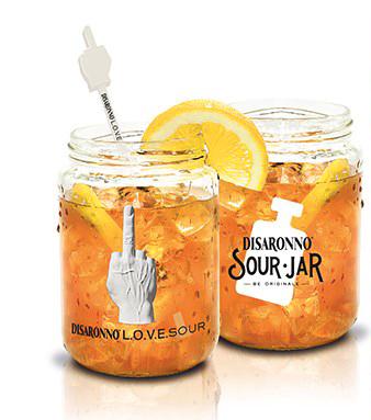 La jar da collezione Disaronno per l'edizione2015 in Piazza Affari copia
