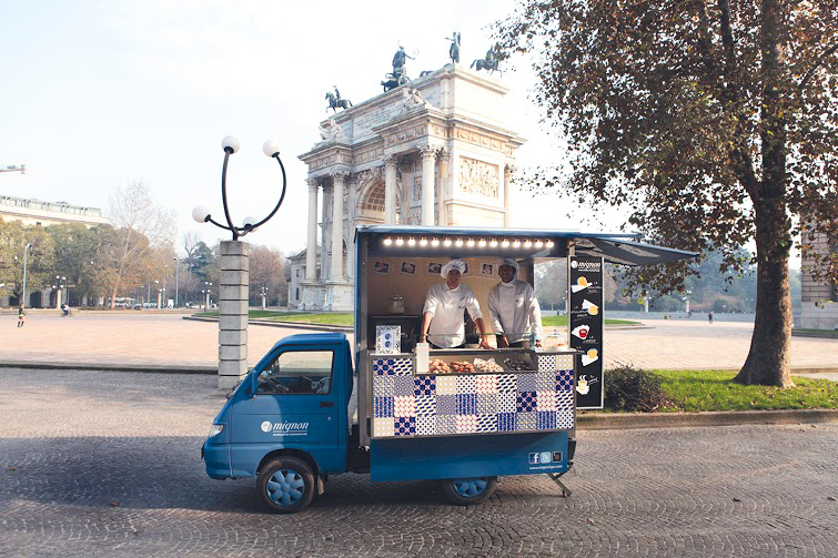 Le Mignon, tra i protagonisti dell'Eat Market di via S. Vittore, parcheggiato all'Arco della Pace
