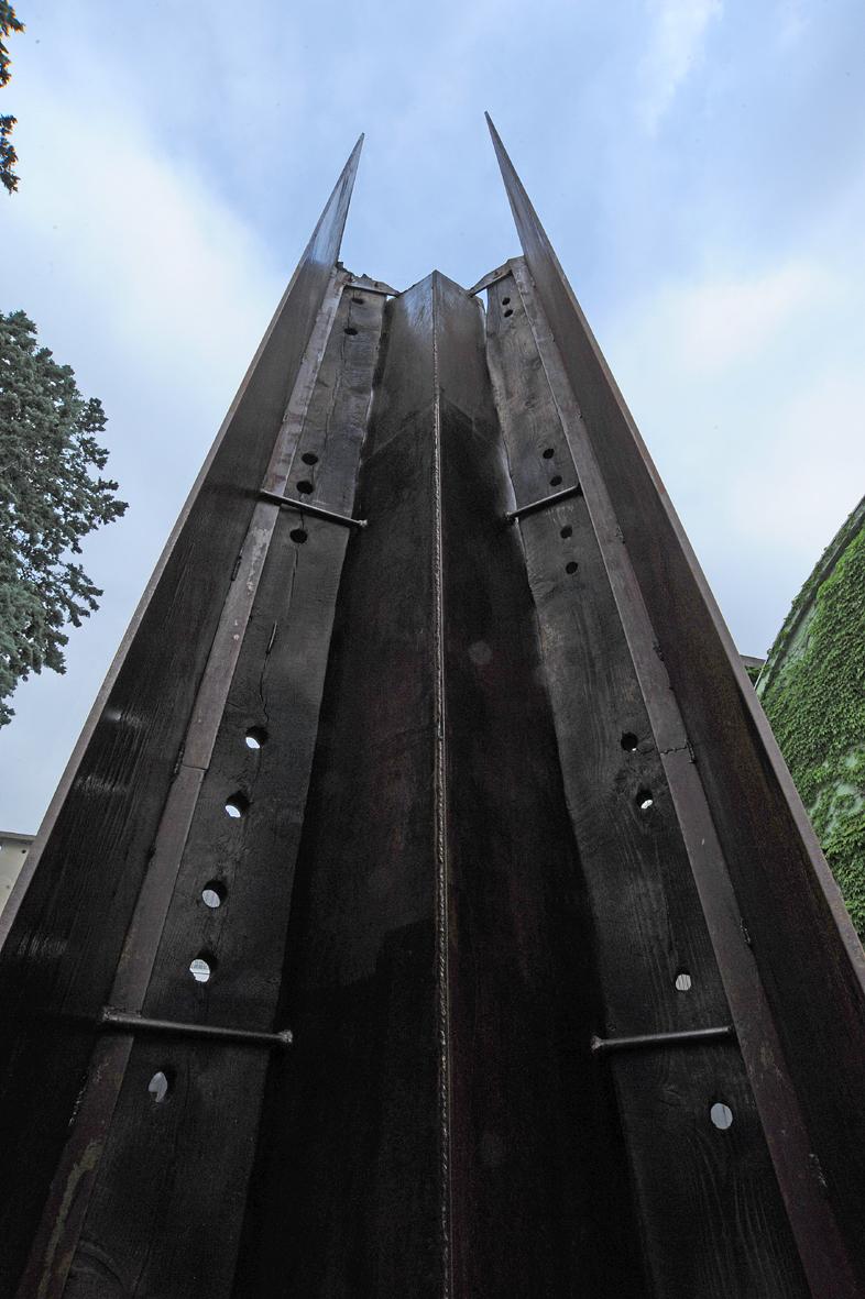 Obelisco visto da vicino, foto di Mimmo Capurso