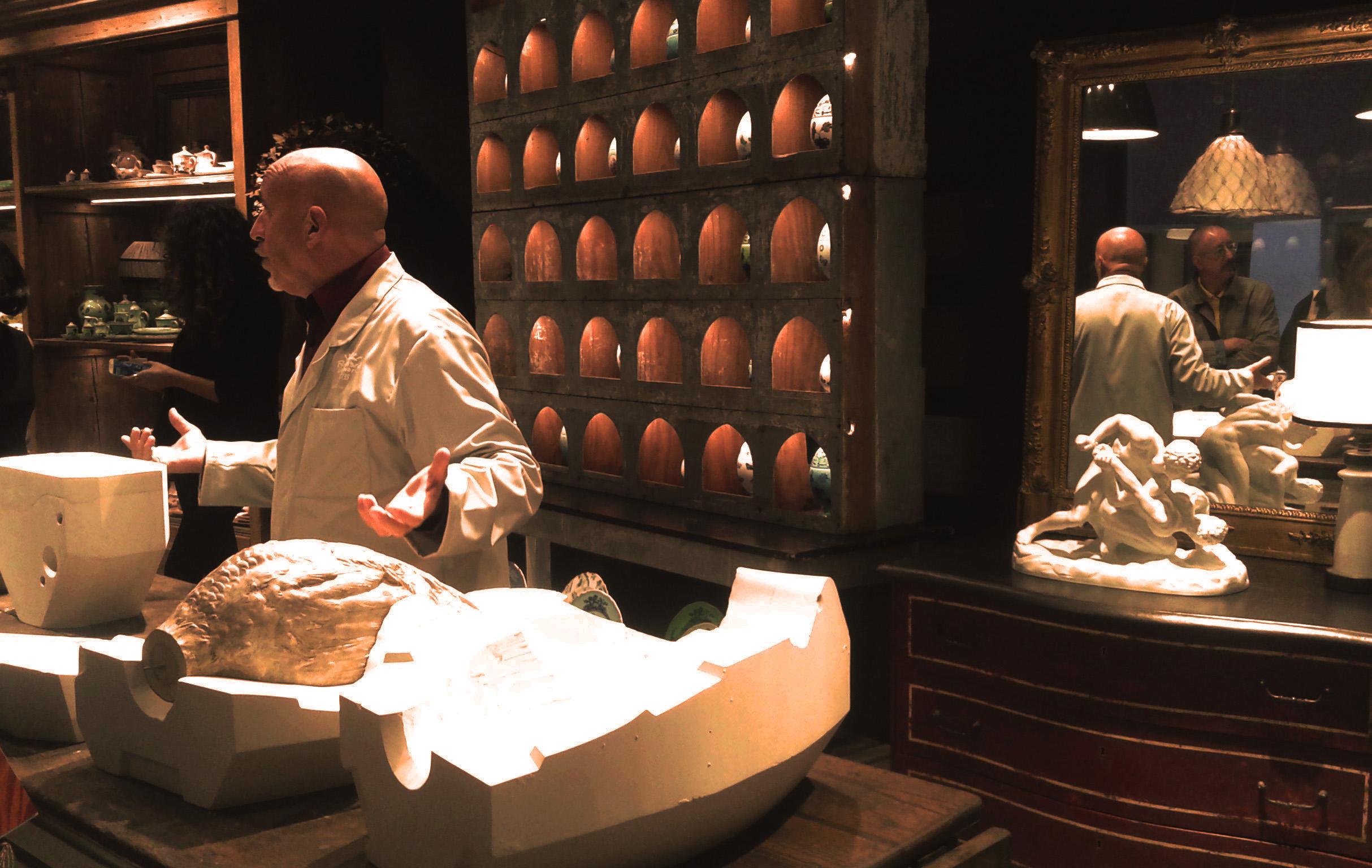 I segreti dei calchi- per la realizzazione di un vaso in ceramica ptrddo lo showroom Richard Ginori