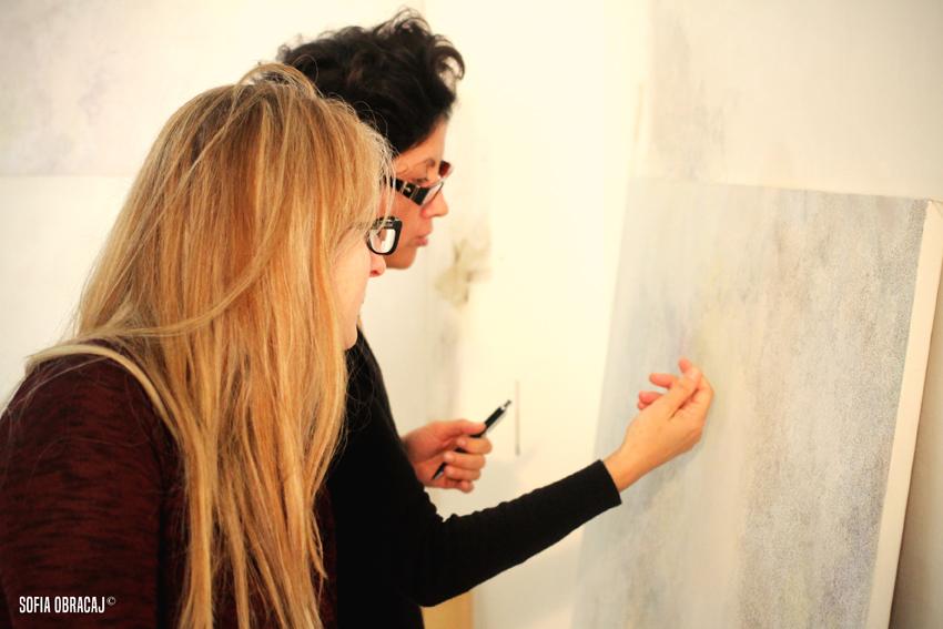 Dilella mi mostra il suo lavoro, ph. Sofia Obracaj