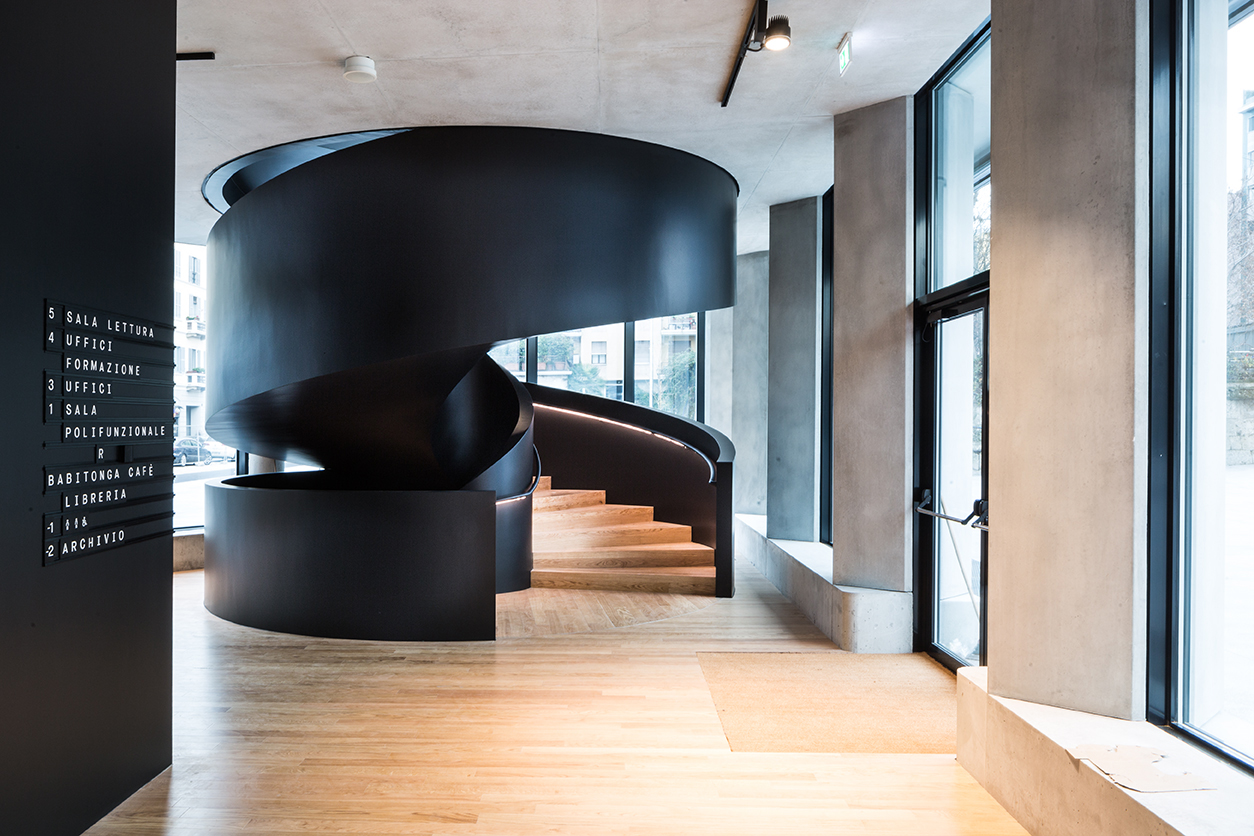 Interno della Fondazione. La rampa ai piani dall'ingresso, ph. Filippo Romano