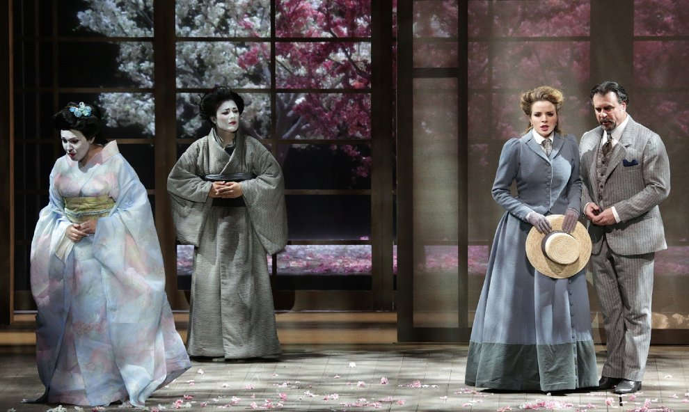 Una bella immagine di scena di Madama Butterfly al Teatro alla Scala dal 7 dicembre2016