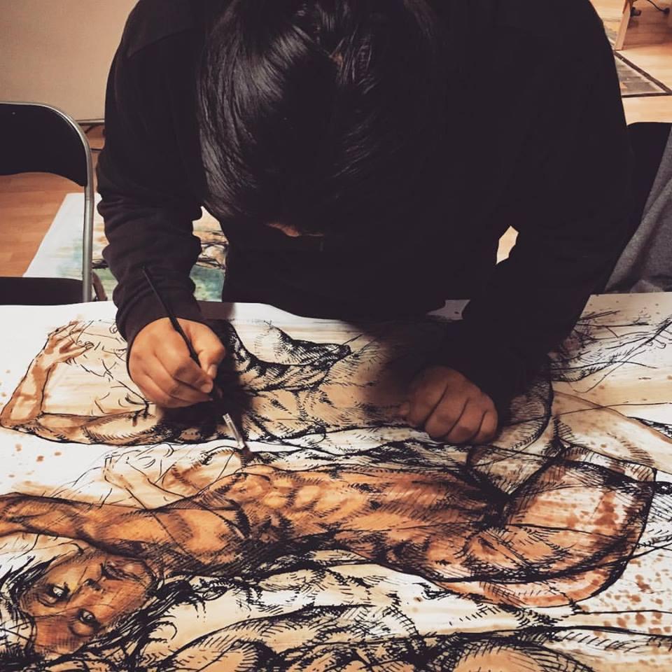 L'artista nel 2014, al lavoro sull'intreccio di corpi de Carneade..chi era costui?