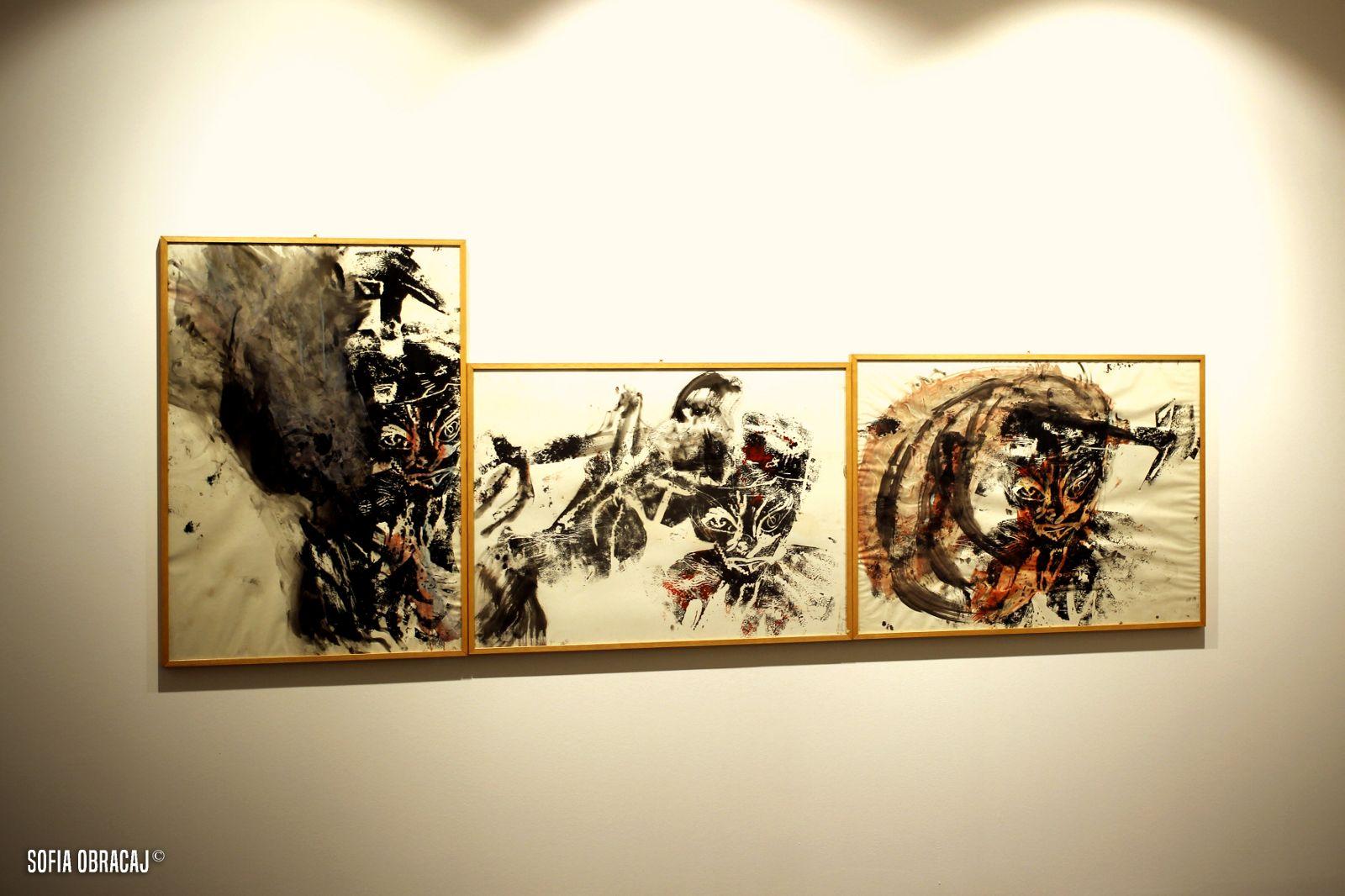 Tritico su carta di Martin Disler, in mostra allo Studio d'Arte Cannaviello, dove si nota l'uso del monotipo. Ph. Sofia Obracaj