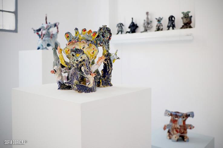 Particolare della ceramica di Saraï Delfendahl, galleria Lanteri