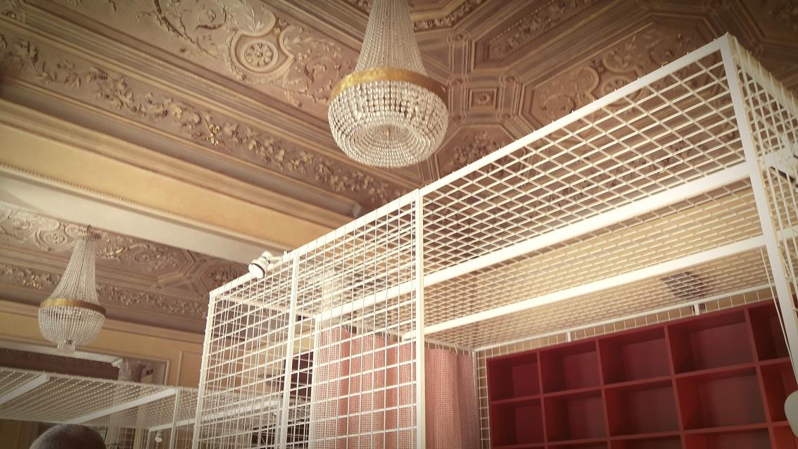 Strutture per l'esposizione a Palazzo Bovara con Concept Store. Elle Decor alla MDW 2017