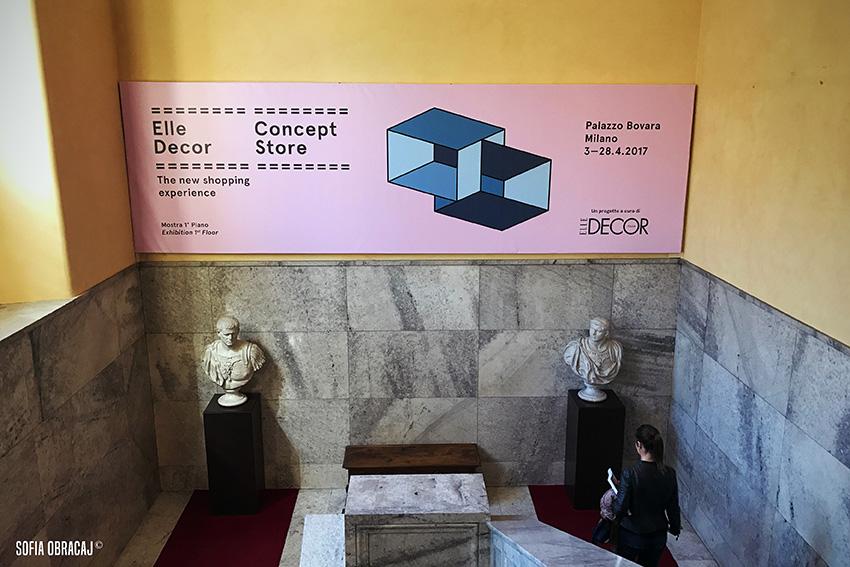 Scalinata di Palazzo Bovara con la locandina di Concept Store. Elle Decor alla MDW 2017