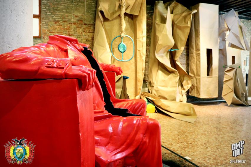 La Bolivia a Venezia . Biennale Intercontinentale. Lincoln acefalo in una wunderkammer, ph. Sofia Obracaj, courtesy Consolato Generale di Bolivia