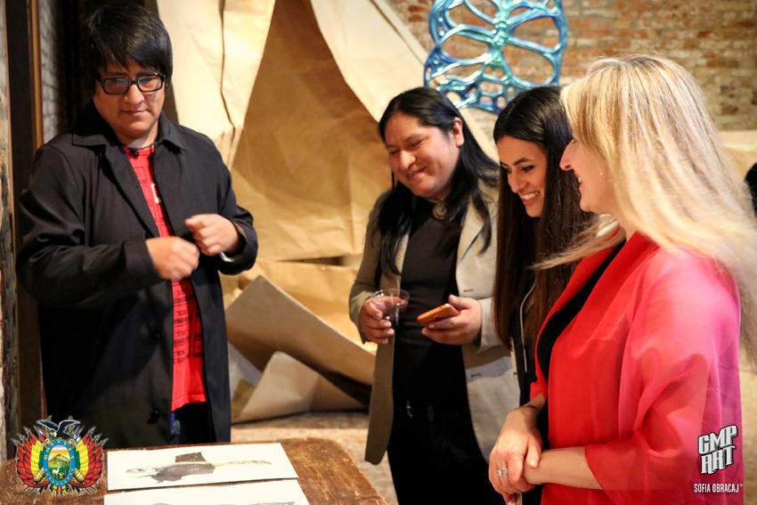 Ballivian mostra gli ospiti della Biennale i suoi disegni