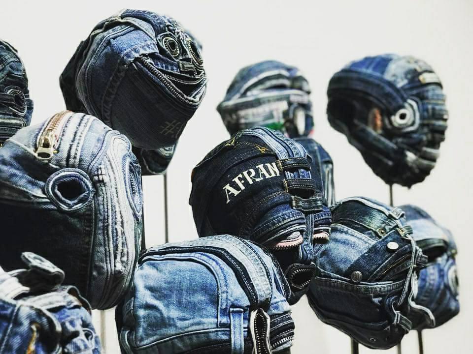 Teste in jeans di Afran con Involucrum