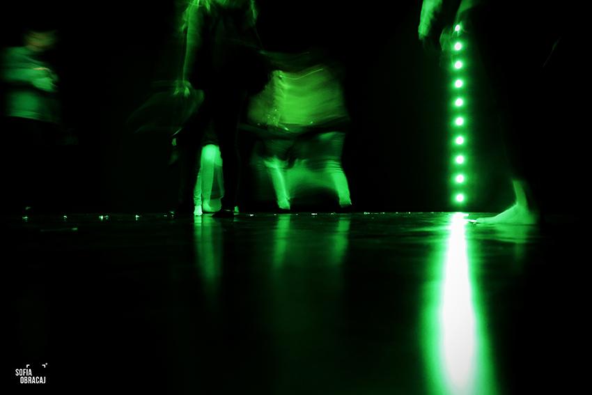 """Lucio Fontana in collaborazione con Nanda Vigo, Ambiente spaziale: """"Utopie"""" nella XIII Triennale di Milano, 1964"""