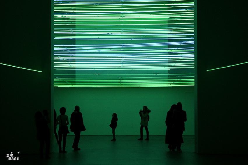 """Lucio Fontana, Fonti di energia, soffitto al neon per """"Italia 61"""" a Torino, oggi a Milano"""