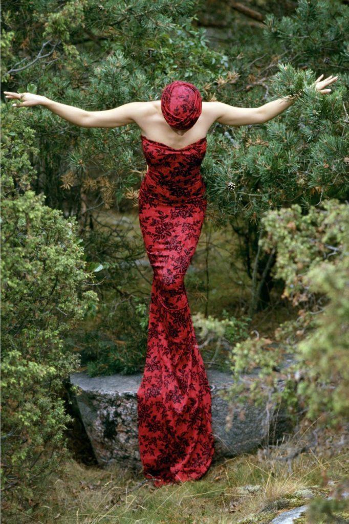 Guccione, una foto di moda dove l'eleganza non la fa il vestito