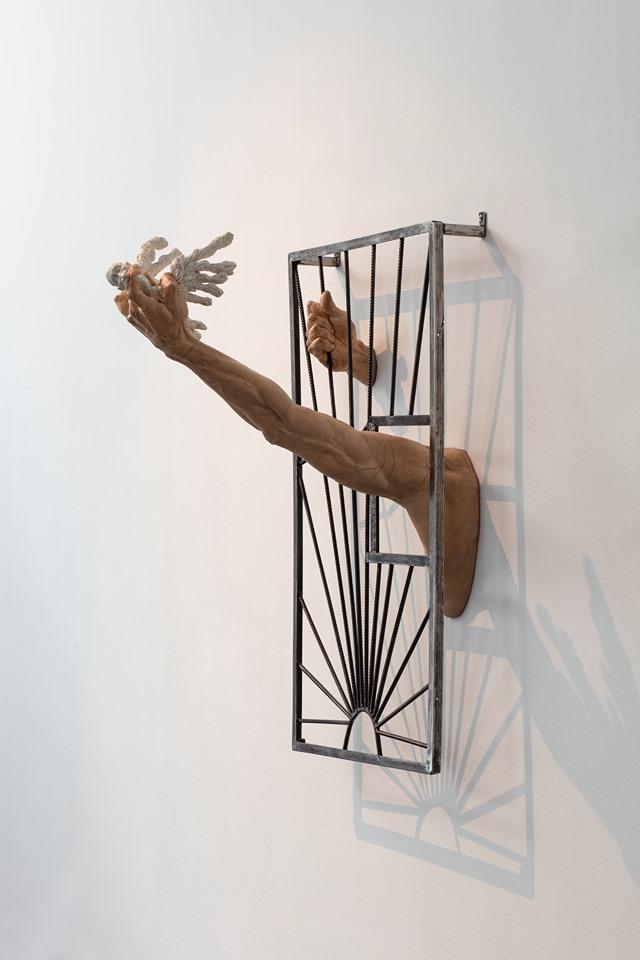 Oleg Kulik in mostra con opere scultoree