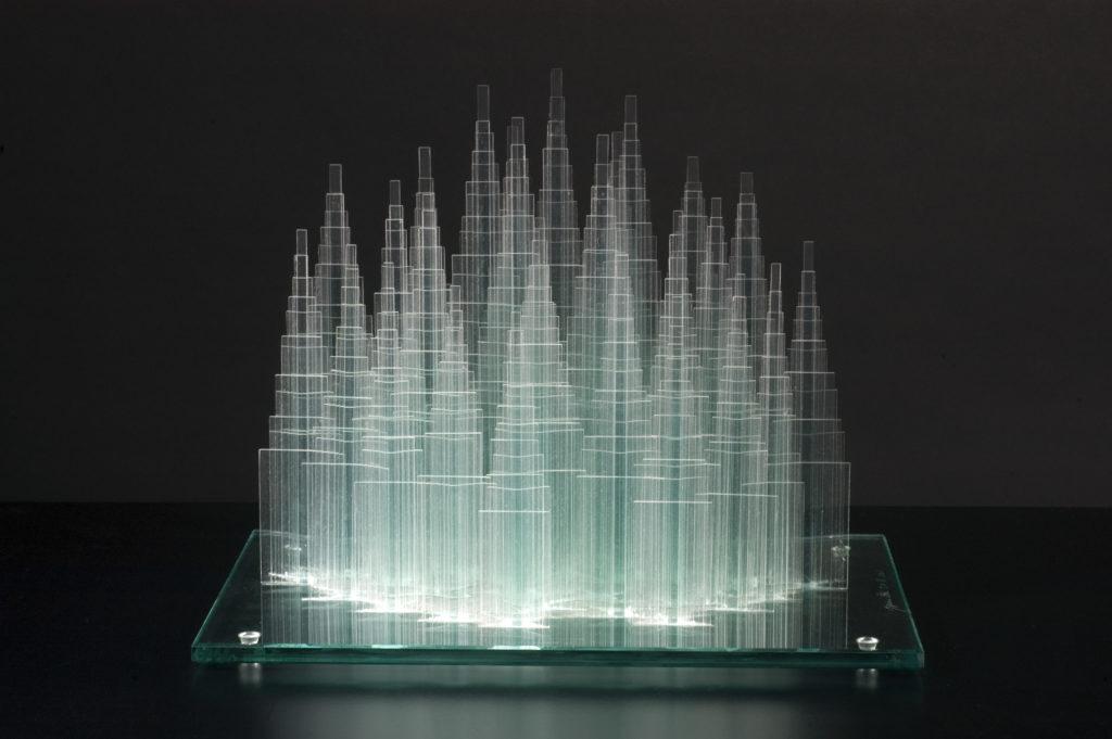 Ozi Izumi, scultura del 2003