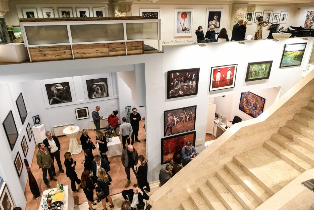 Maestri della fotografia e sperimentazione da Paci Contemporary