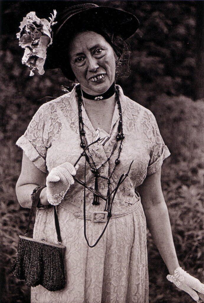 Diane Arbus, Miss Cora Pratt, 1961- artscore.it